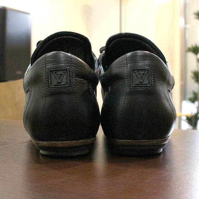 天王寺のお客様からヴィトンのマルチカラーのスニーカーを買取_04