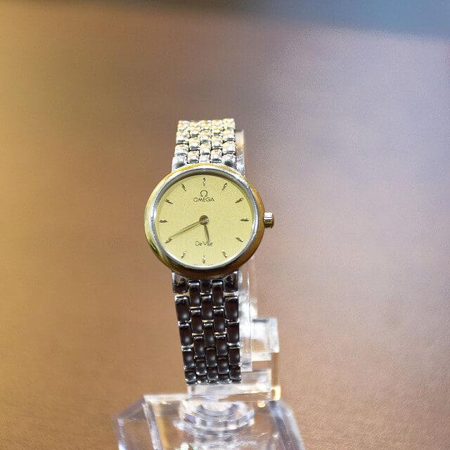 長田のお客様からオメガの腕時計【デビル】を買取_02