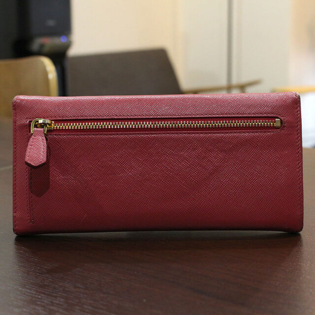 鶴橋のお客様からプラダの長財布【フィオッコ】を買取_02