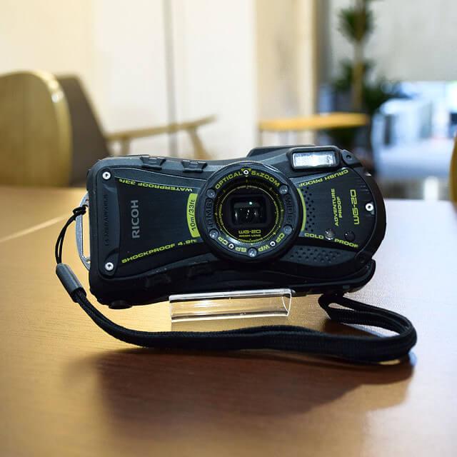 森ノ宮のお客様からRICOH(リコー)のデジタルカメラを買取_02