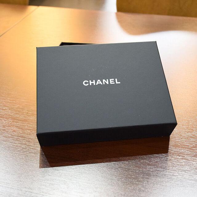 宝塚のお客様からシャネルのキャビアスキンの財布を買取_03