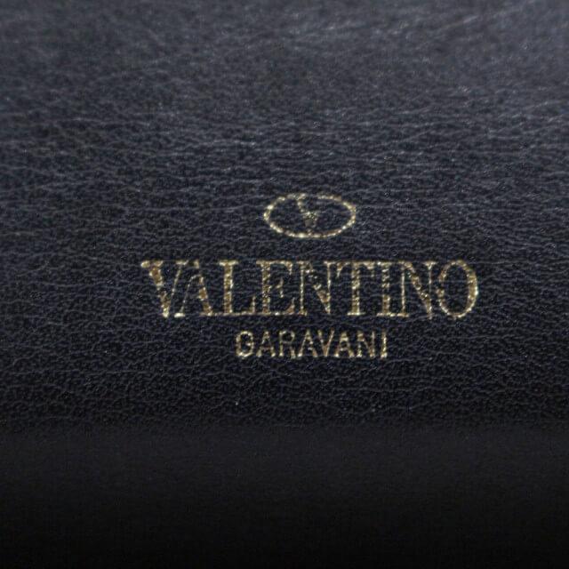 北見店にてヴァレンティノのロックスタッズラウンドファスナー長財布を買取_04