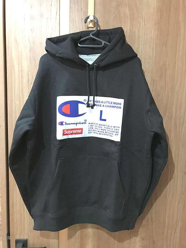羽村市のお客様から18aw Supreme Champion Label Hooded Sweatshirtを買取_01