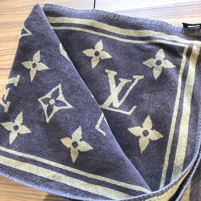 南堀江のお客様からヴィトンのモノグラムのバスタオルを買取_02