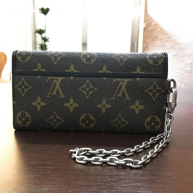 生野のお客様からヴィトンのモノグラムマカサーのメンズ長財布を買取_02