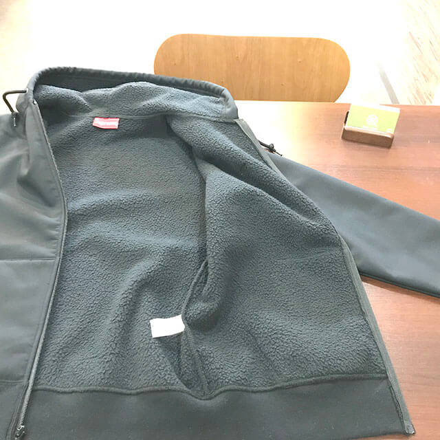 今里のお客様からSupremeの 18AW Windstopper Zip Up Hooded Sweatshirts パーカーを買取_04