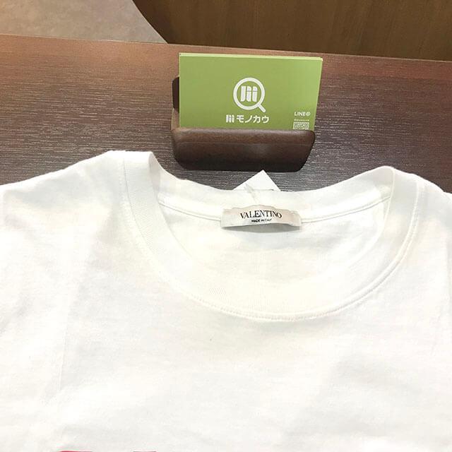 大阪市内のお客様からヴァレンティノの18年モデル ロゴプリント Tシャツを買取_03