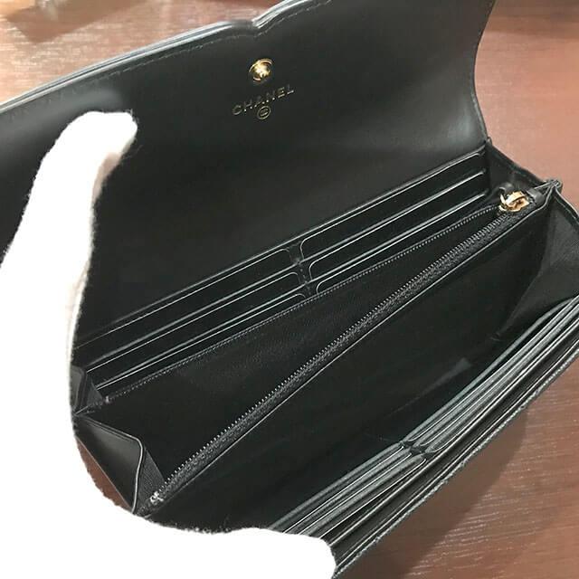 深江橋のお客様から新品のシャネルの財布を買取_03