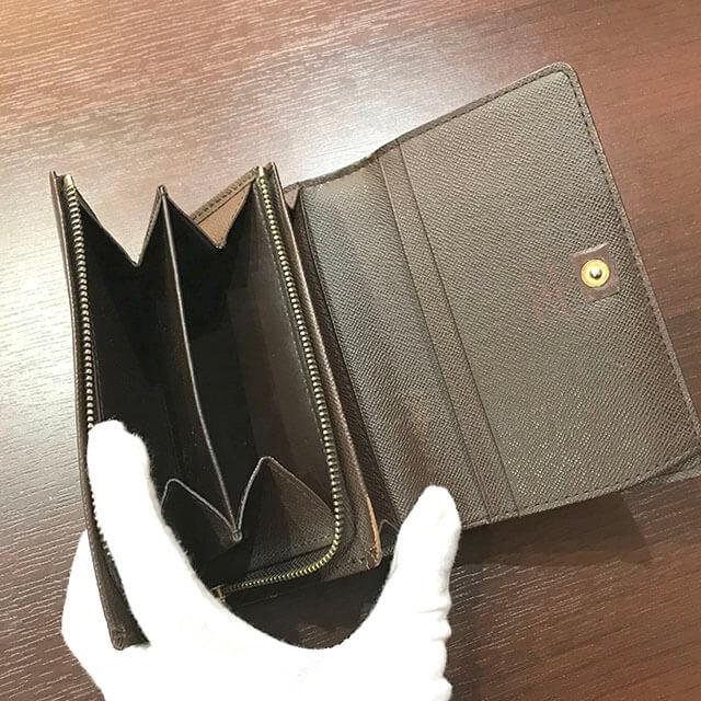 箕面のお客様からヴィトンの財布【トレゾール】を買取_03