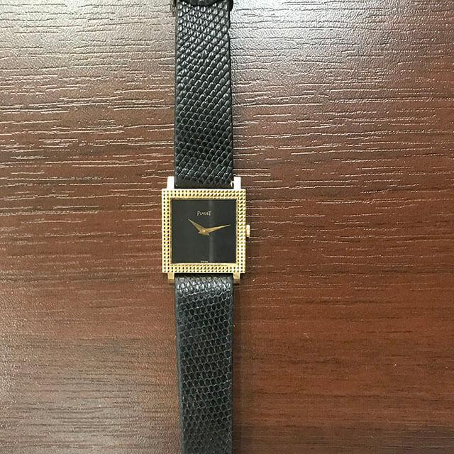 銀座のお客様からピアジェの金無垢の腕時計を買取_02