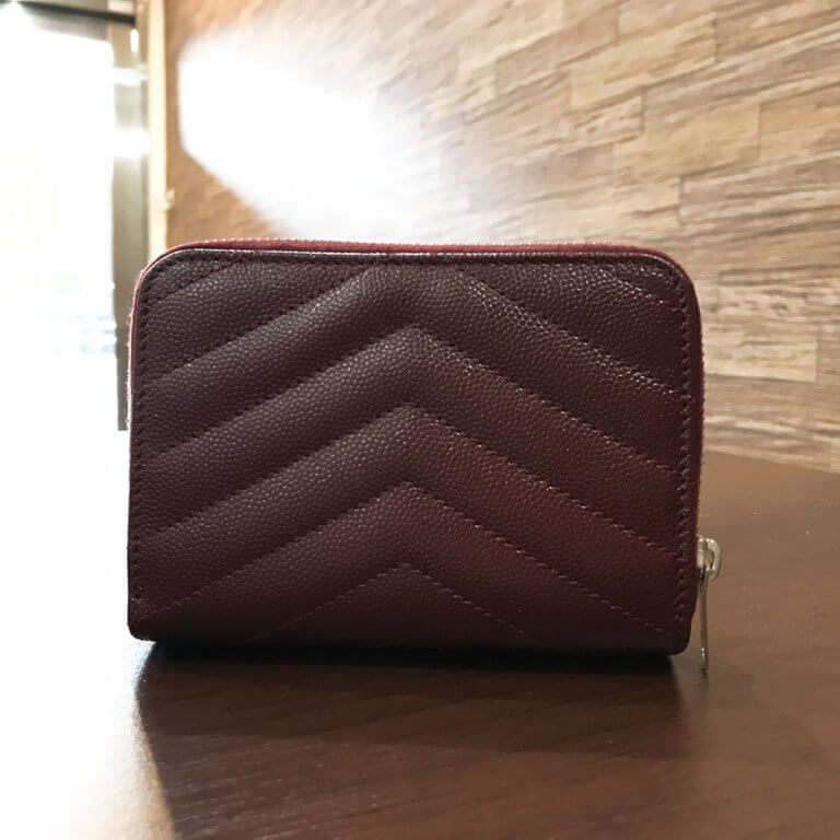 箕面のお客様からサンローランのYSLロゴ ラウンドファスナー長財布を買取_02