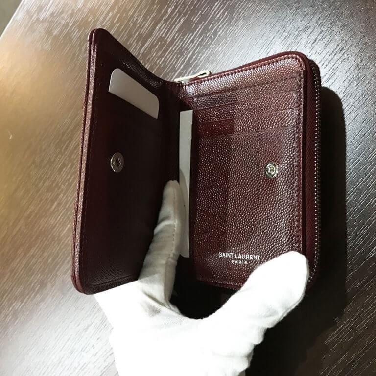 箕面のお客様からサンローランのYSLロゴ ラウンドファスナー長財布を買取_04