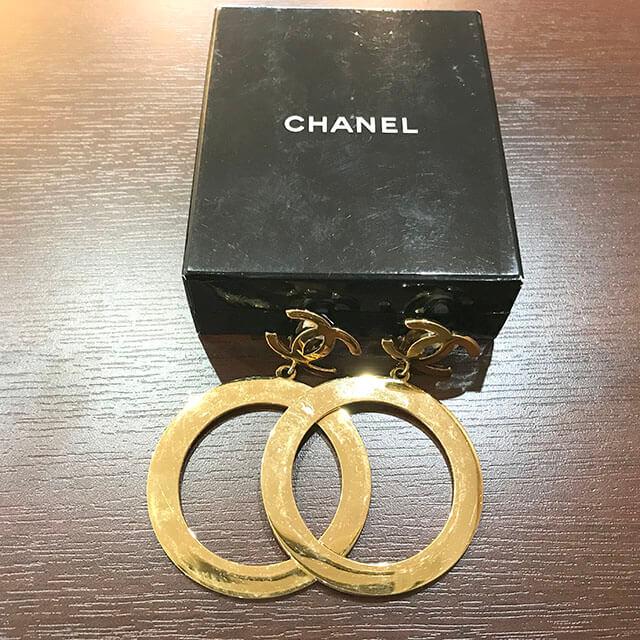 長田のお客様からシャネルのココマークイヤリングを買取_02