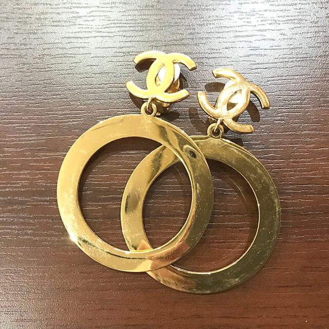 長田のお客様からシャネルのココマークイヤリングを買取_03