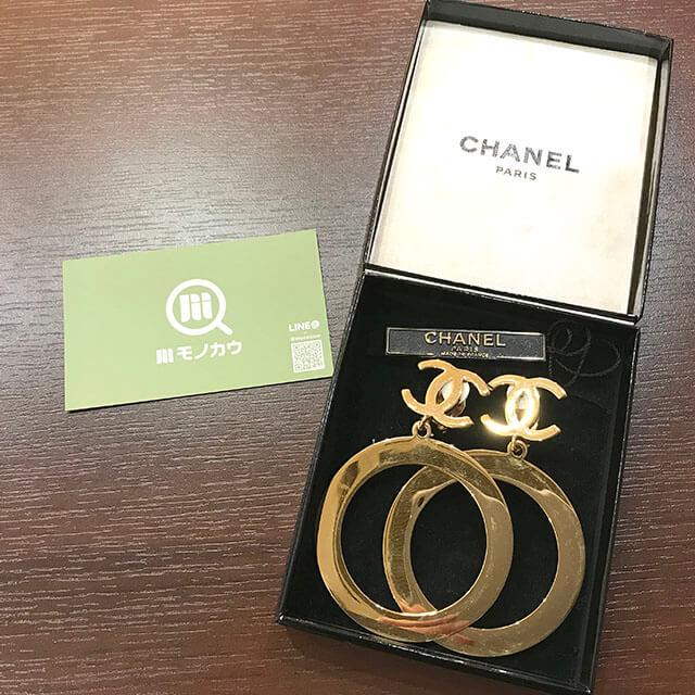 長田のお客様からシャネルのココマークイヤリングを買取_01