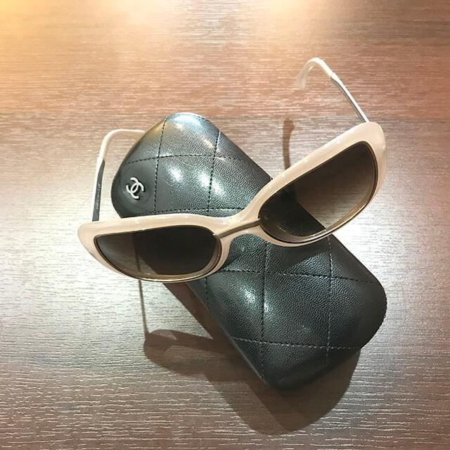 心斎橋のお客様からシャネルのサングラスを買取_04