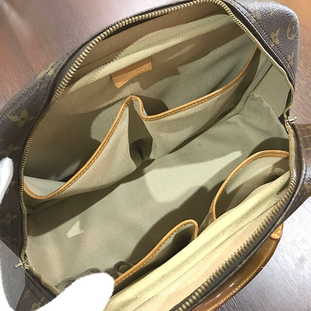 放出のお客様からヴィトンのハンドバッグ【ドーヴィル】を買取_03