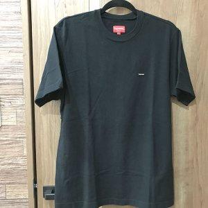 梅田のお客様からシュプリームの【スモールボックスロゴ】Tシャツを買取