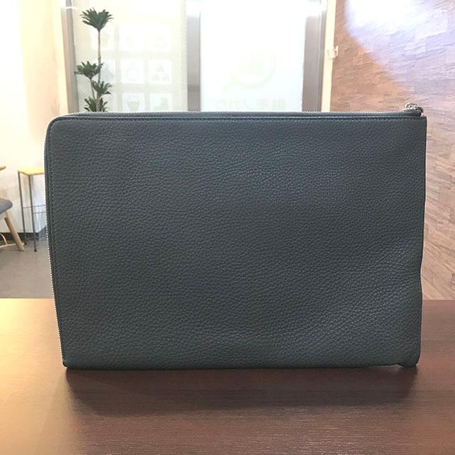 五反田のお客様からフェンディのスタンプロゴクラッチバッグを買取_02
