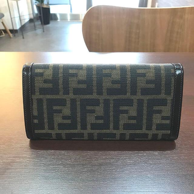 茨木のお客様からフェンディのズッカ柄長財布を買取_02