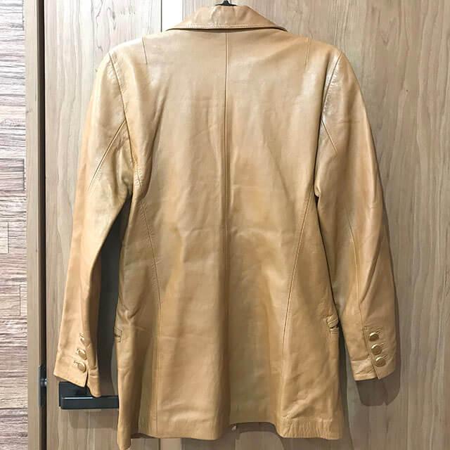 枚方のお客様からロエベのレザージャケットを買取_02