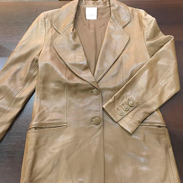 枚方のお客様からロエベのレザージャケットを買取_03