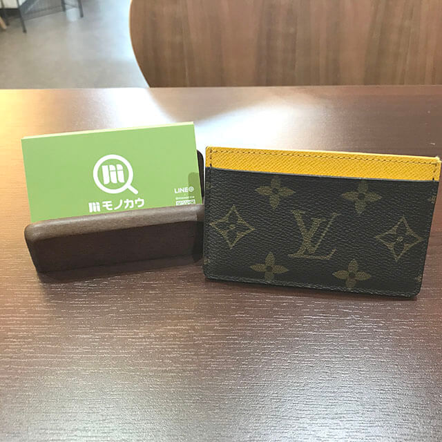 夙川のお客様からヴィトンのカードケース【ポルト カルト・サーンプル】を買取_02