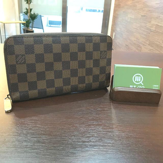 和泉のお客様からヴィトンのダミエの財布【ジッピーオーガナイザー】を買取_01