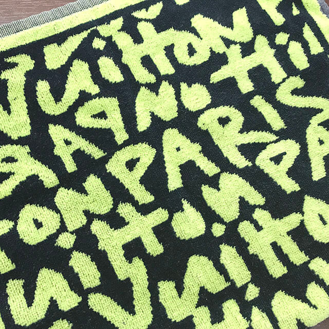 心斎橋のお客様からヴィトンの【モノグラム・グラフィティ】のタオルを買取_04