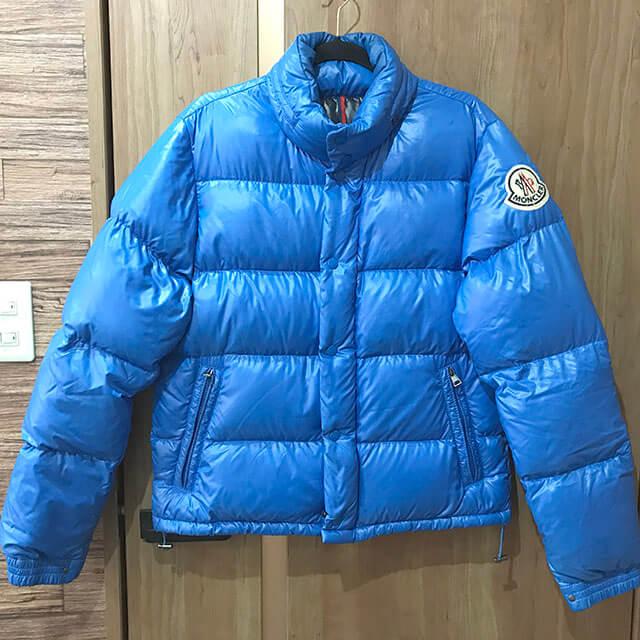 上本町のお客様からモンクレールのダウンジャケット【EVEREST(エベレスト)】を買取_01