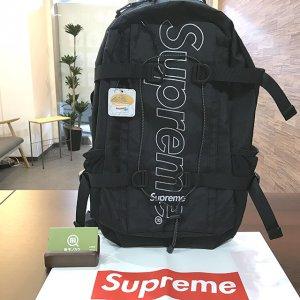 花巻のお客様からSupreme(シュプリーム)の18FWバックパックを買取