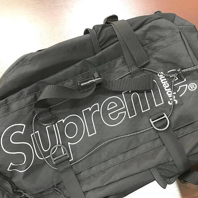 花巻のお客様からSupreme(シュプリーム)の18FWバックパックを買取_03