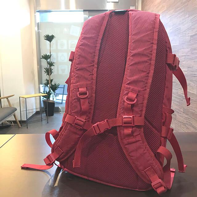 堺のお客様からシュプリームの18FW【Backpack(バックパック】リュックを買取_02