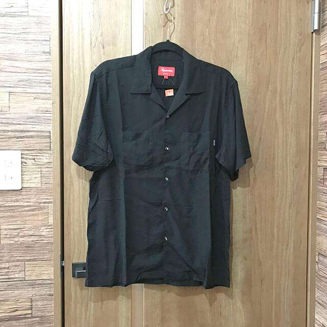 難波(なんば)のお客様からSupremeのシャツ【19SS Playboy Rayon Shirt】を買取_01
