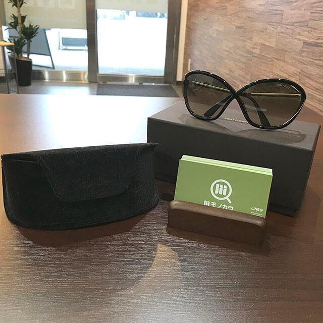 和泉のお客様からトムフォードのサングラス【Bella】を買取_01