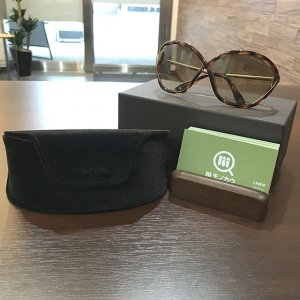 大阪のお客様からトムフォードのサングラス【Bella】を買取