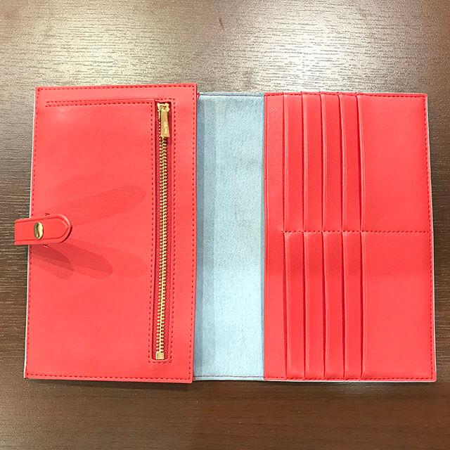 天王寺のお客様からセリーヌの財布【マルチファンクション】を買取_03