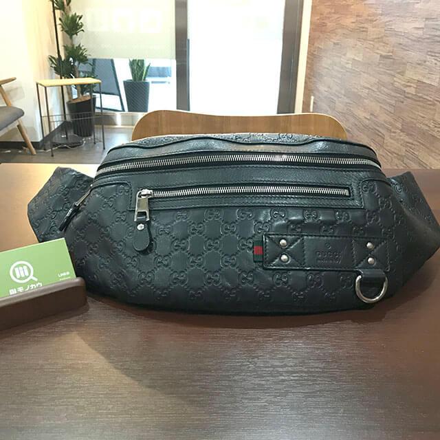 深江橋のお客様からグッチのシマラインのウエストバッグを買取_01