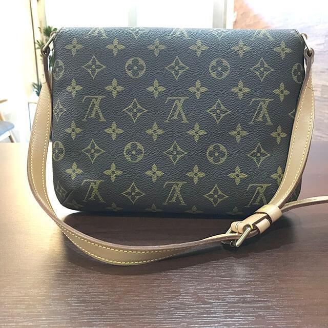 枚方のお客様からヴィトンのバッグ【ミュゼットタンゴ】を買取_02