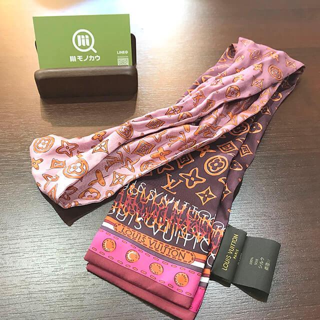 香里園のお客様からヴィトンのスカーフ【バンドー】を買取_01
