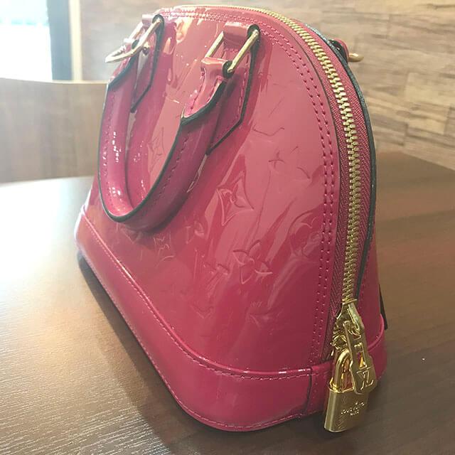 芦屋のお客様からヴィトンのヴェルニ【アルマBB】2wayバッグを買取_02