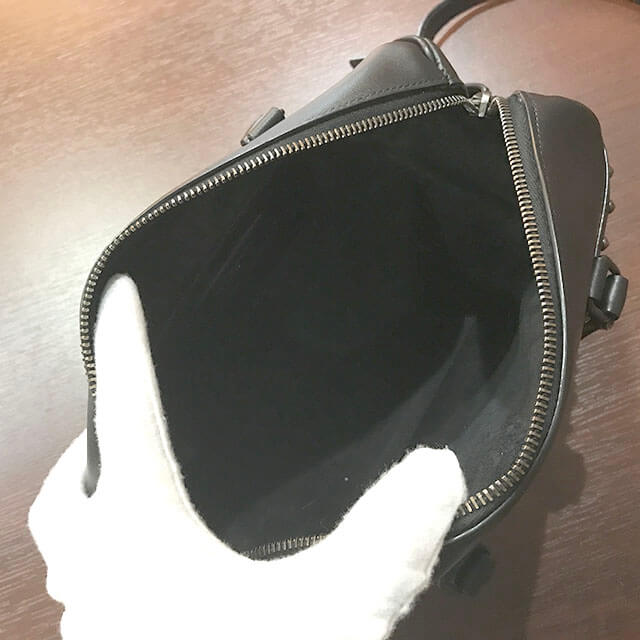 難波(なんば)のお客様からサンローランのバッグ【ベイビーダッフル】を買取_04