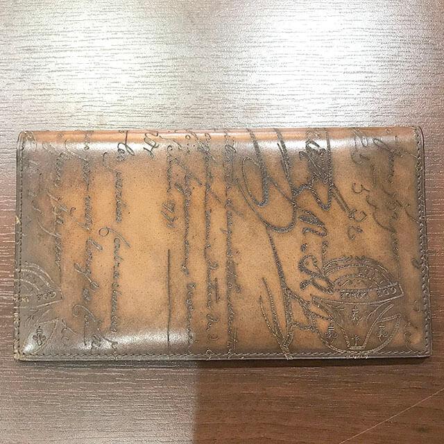 モノカウ枚方店にてベルルッティの手帳カバーを買取_02