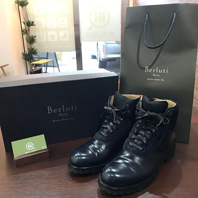 梅田のお客様からベルルッティのブーツを買取_01