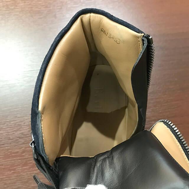 梅田のお客様からベルルッティのブーツを買取_03
