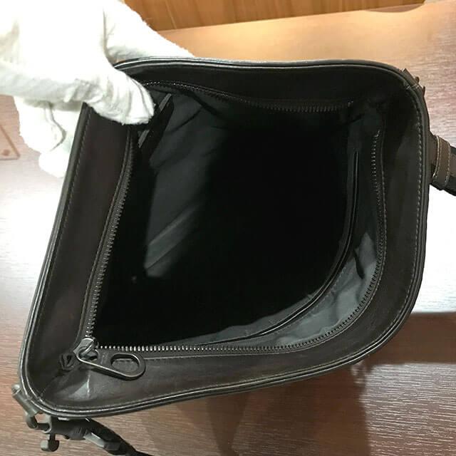 上本町のお客様からボッテガヴェネタのショルダーバッグを買取_04
