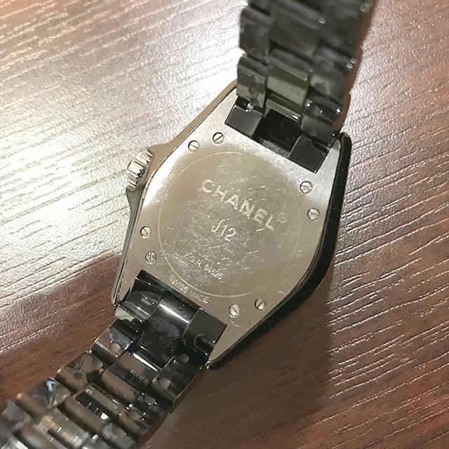 生野のお客様からシャネルの腕時計【J12】を買取_04