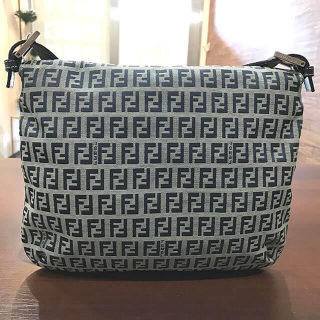 出張買取にて北見のお客様からフェンディのバッグ【マンマバケット】を買取_02