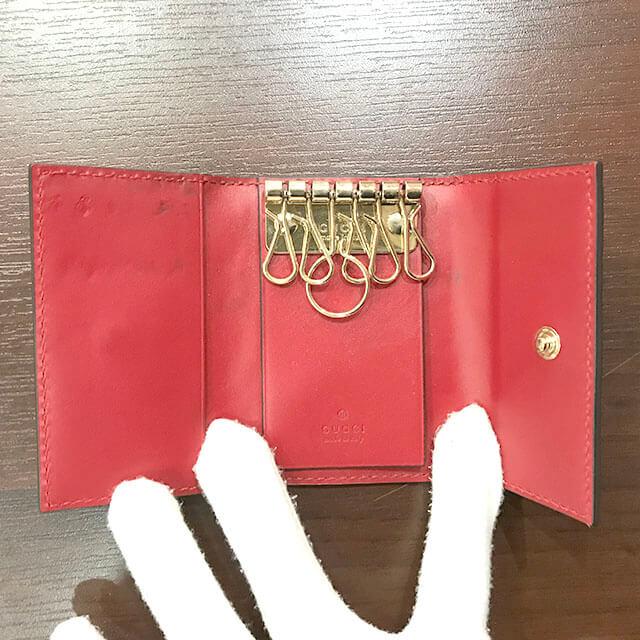 枚方店にてグッチのシマラインのキーケースを買取_03