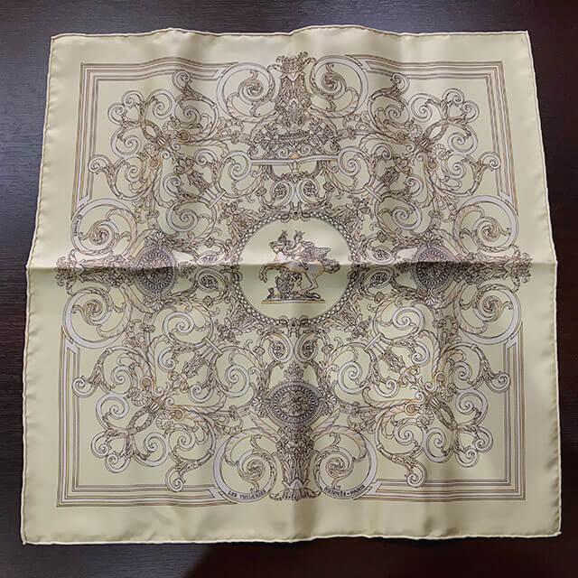 今里のお客様からエルメスのスカーフ「LES TUILERIES/チュルリー公園」を買取_02